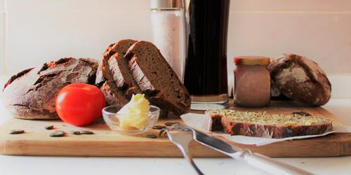 ciemny-chleb-art-obrazek wyrozniajacy