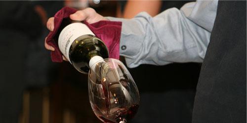 Wino w restauracji: Podstawowe zasady i podpowiedzi dla właścicieli i managerów restauracji
